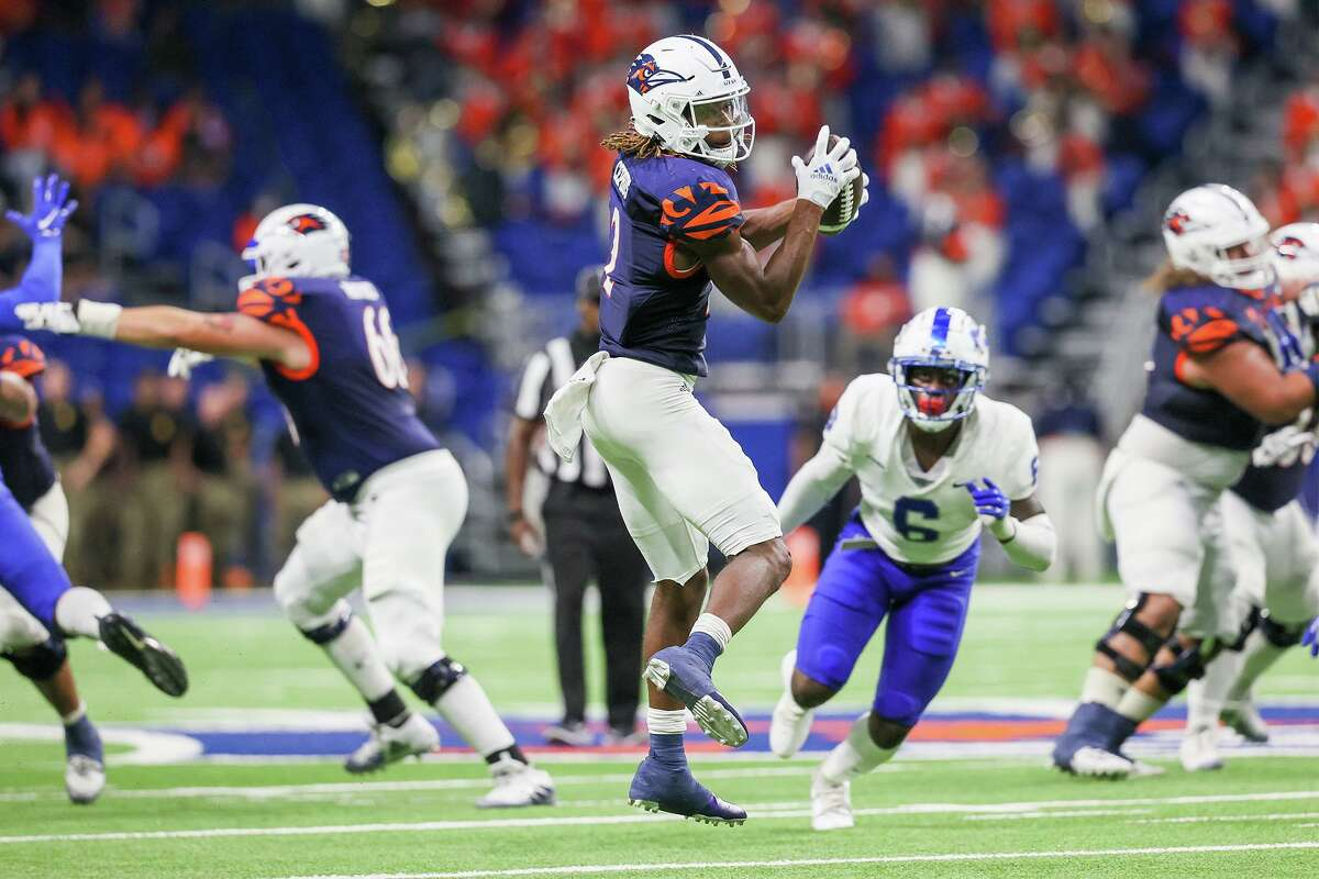 UTSA wide receiver Joshua Cephus turns after catching a pass over during the second half of their opening Conference USA football game with Middle Tennessee at the Alamodome on Saturday, Sept. 18, 2021. UTSA beat Middle Tennessee 27-13.