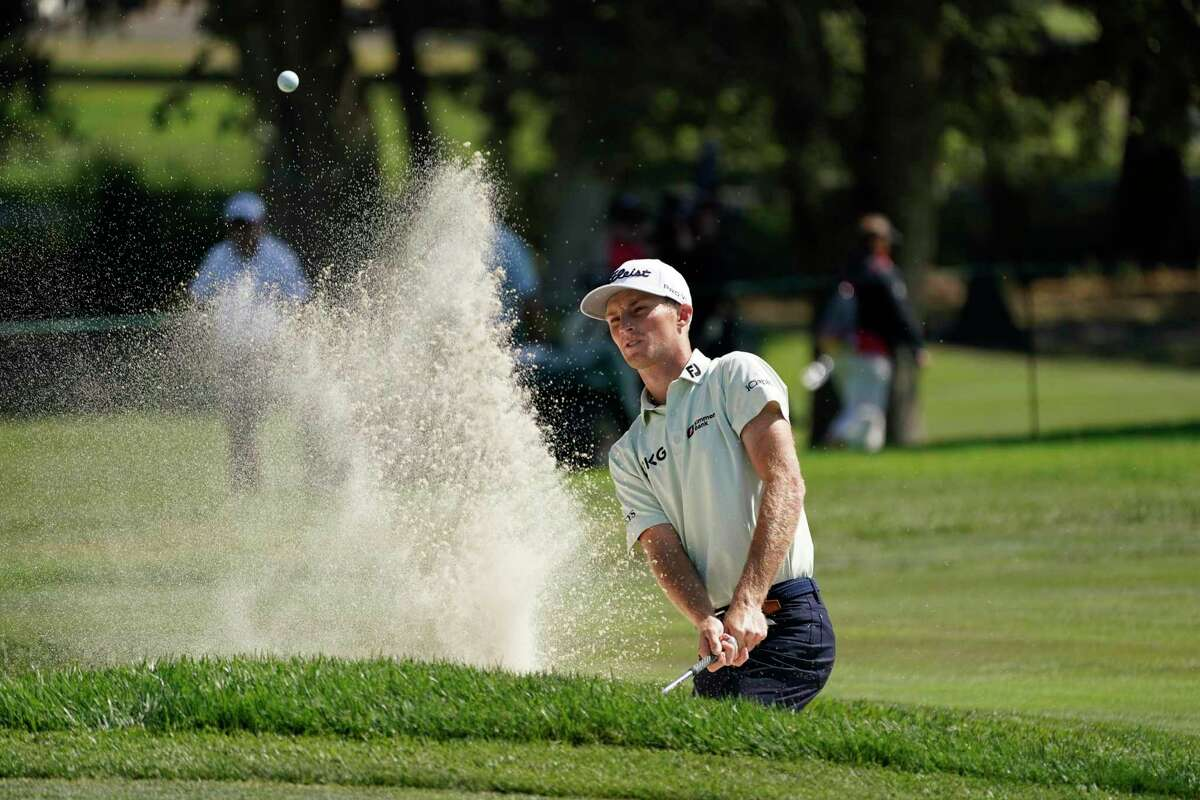 Will Zalatoris watches his bunker shot on No. 3 during Thursday's first round at Silverado Resort.