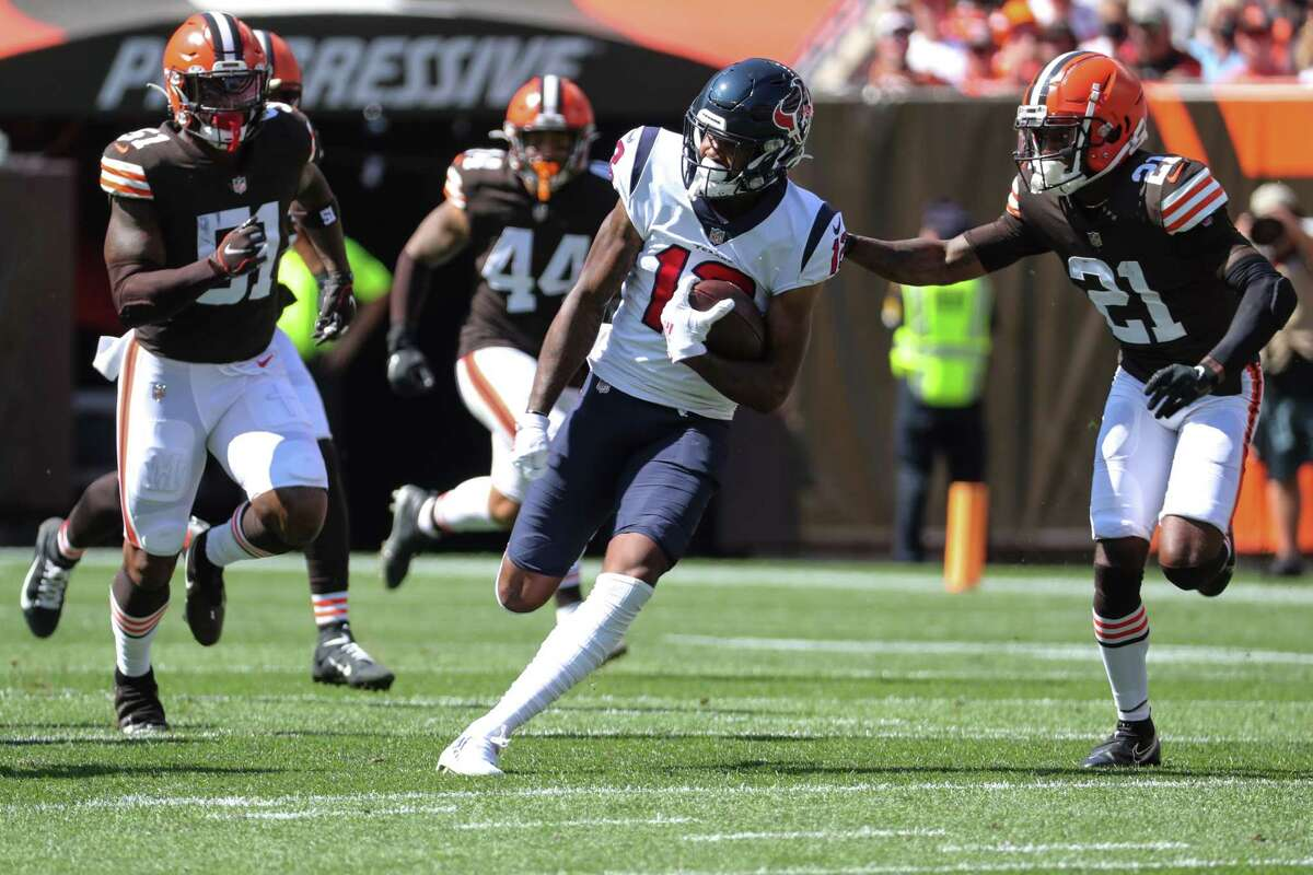 Houston Texans wide receiver Nico Collins (12) injured his shoulder against Cleveland.