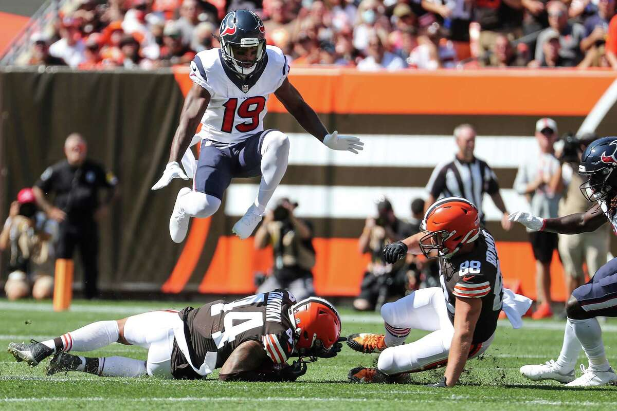 Texans kick returner Andre Roberts (19) muffed a first-quarter punt that led to seven points for the Browns.