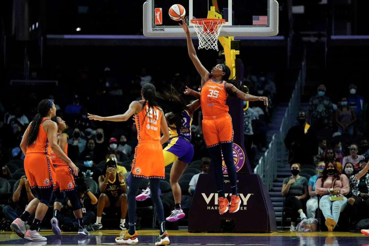 Forward Jonquel Jones (35) and the Connecticut Sun enter the WNBA playoffs as the No. 1 overall seed.