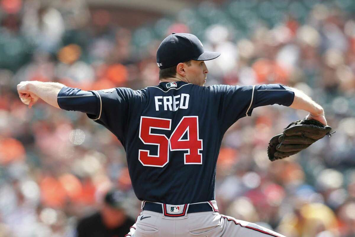 SAN FRANCISCO, CALIFORNIA - SEPTEMBER 19: Max Fried #54 of the Atlanta Braves pitches in the bottom of the first inning against the San Francisco Giants at Oracle Park on September 19, 2021 in San Francisco, California. (Photo by Lachlan Cunningham/Getty Images)