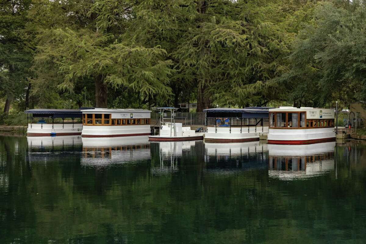 Glass-bottomed boats take students and visitors on tours of Spring Lake in San Marcos.