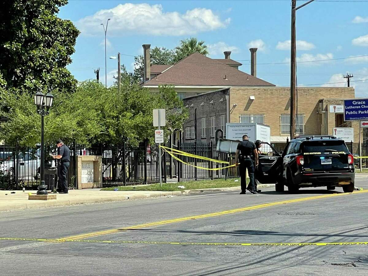 San Antonio police on Monday recovered a knife that was reportedly used in an attack around the 500 block of Avenue E, which left a man in critical condition.