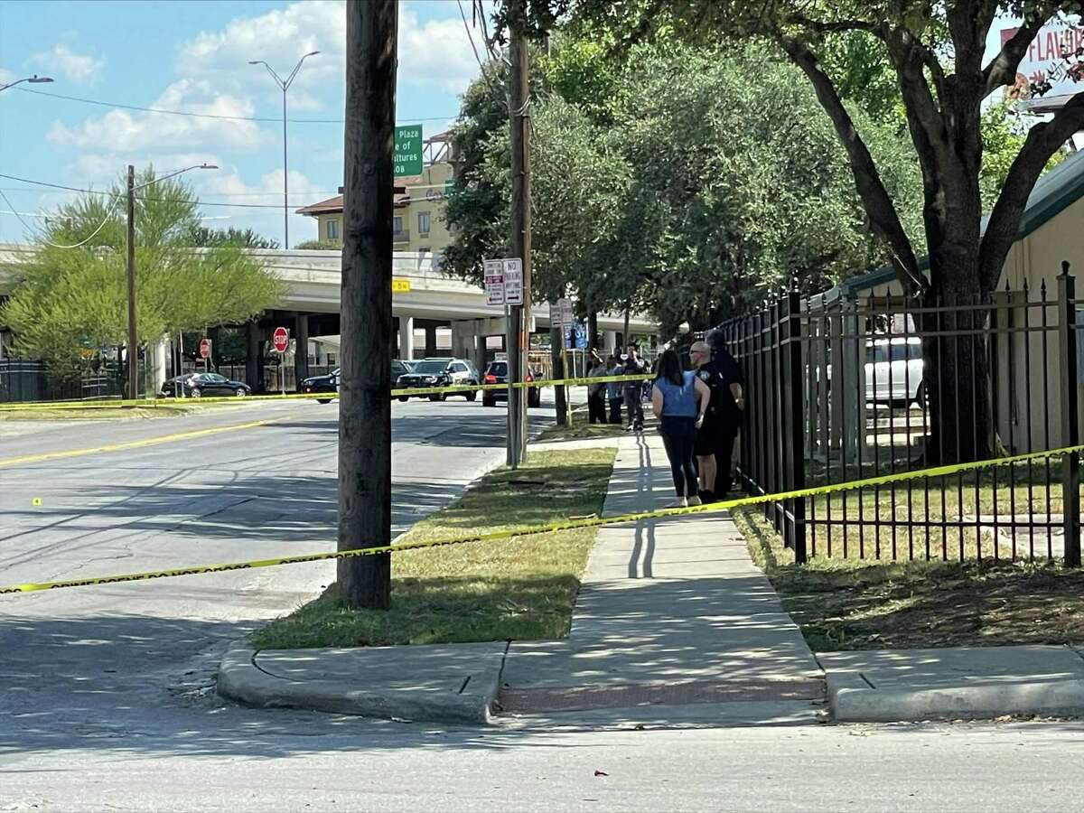 San Antonio police on Monday afternoon responded to a slashing around the 500 block of Avenue E, which left a man in critical condition.