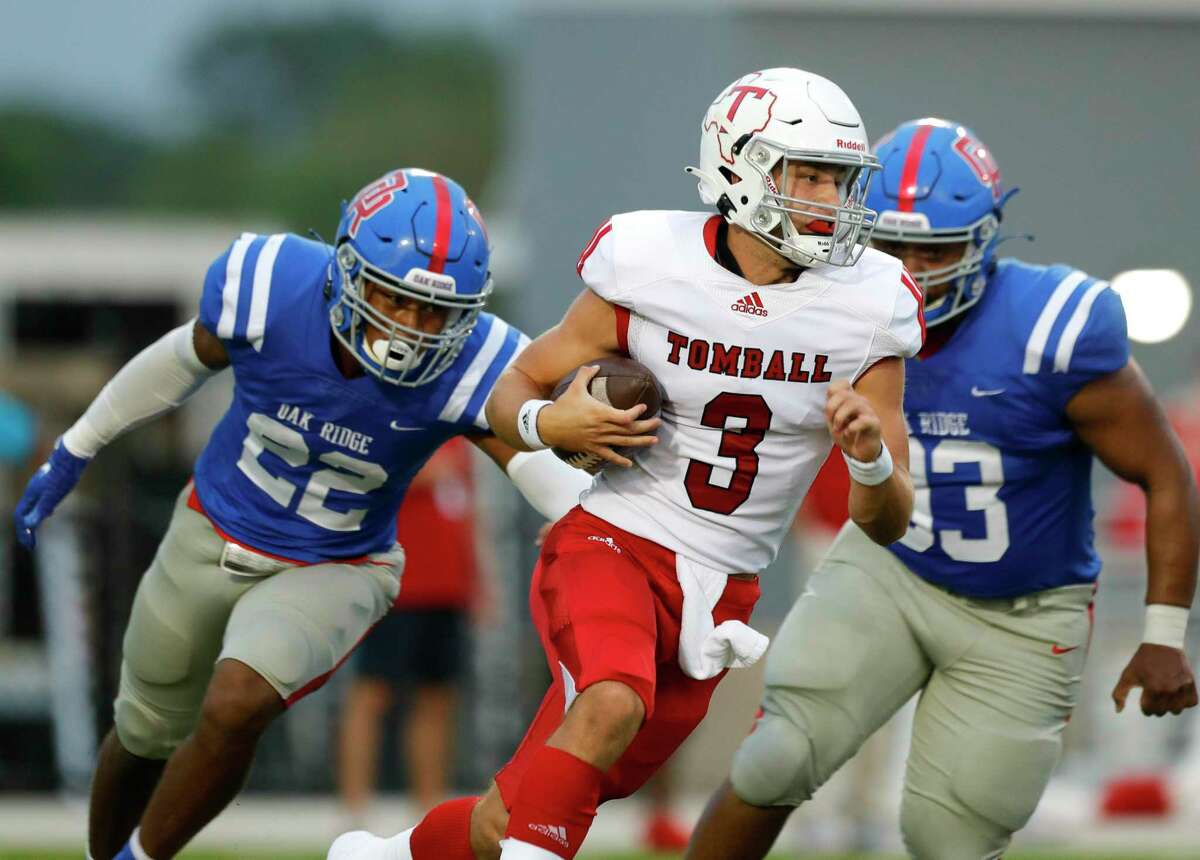 Tomball quarterback Cale Hellums (3) runs the ball during the first quarter of a non-district high school football game at Woodforest Bank Stadium, Thursday, Sept. 16, 2021, in Shenandoah.