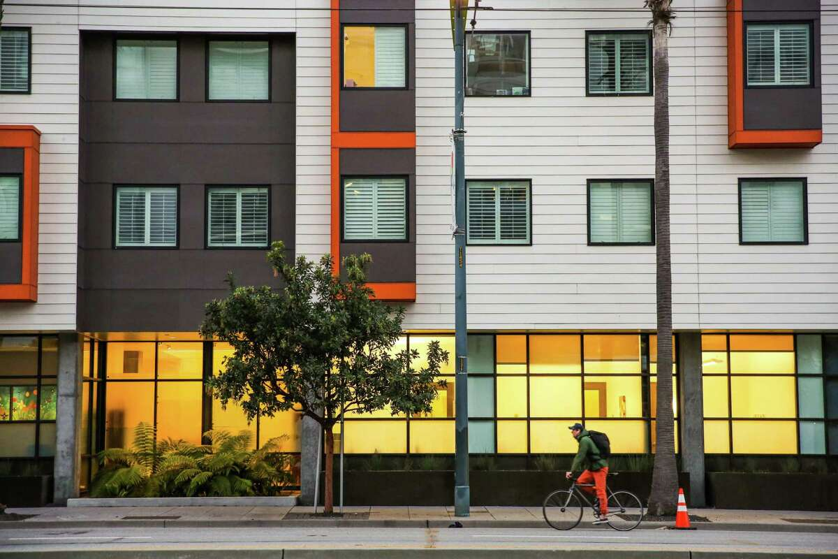 San Francisco is not building much mid-sized housing.