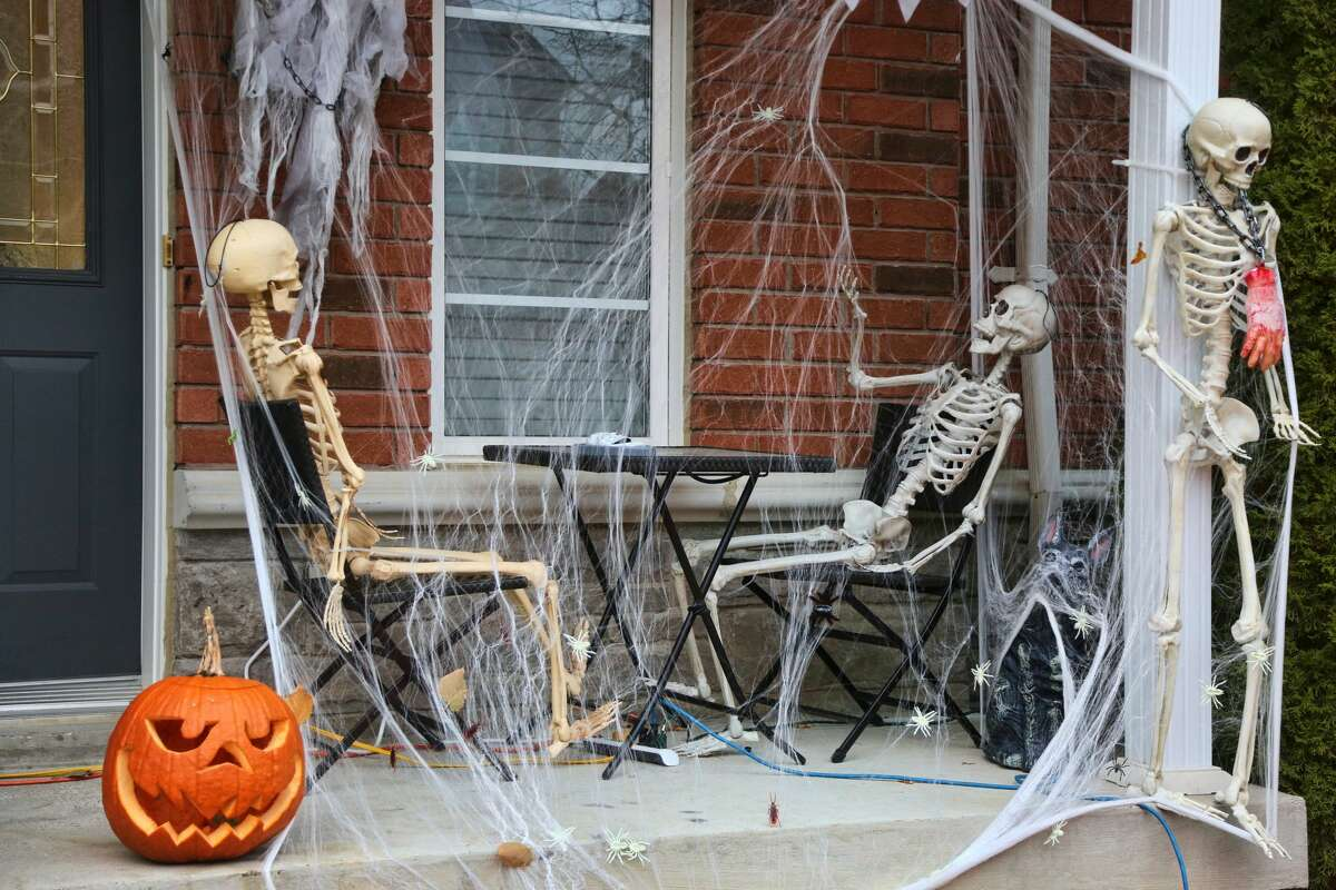 Halloween decorations outside a house during the COVID-19 pandemic in Thornhill, Ontario, Canada. (Photo by Creative Touch Imaging Ltd./NurPhoto via Getty Images)