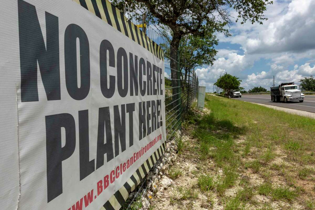 A sign on Highway 46 between Boerne and Borgheim expresses opposition to a proposed concrete batch plant nearby.