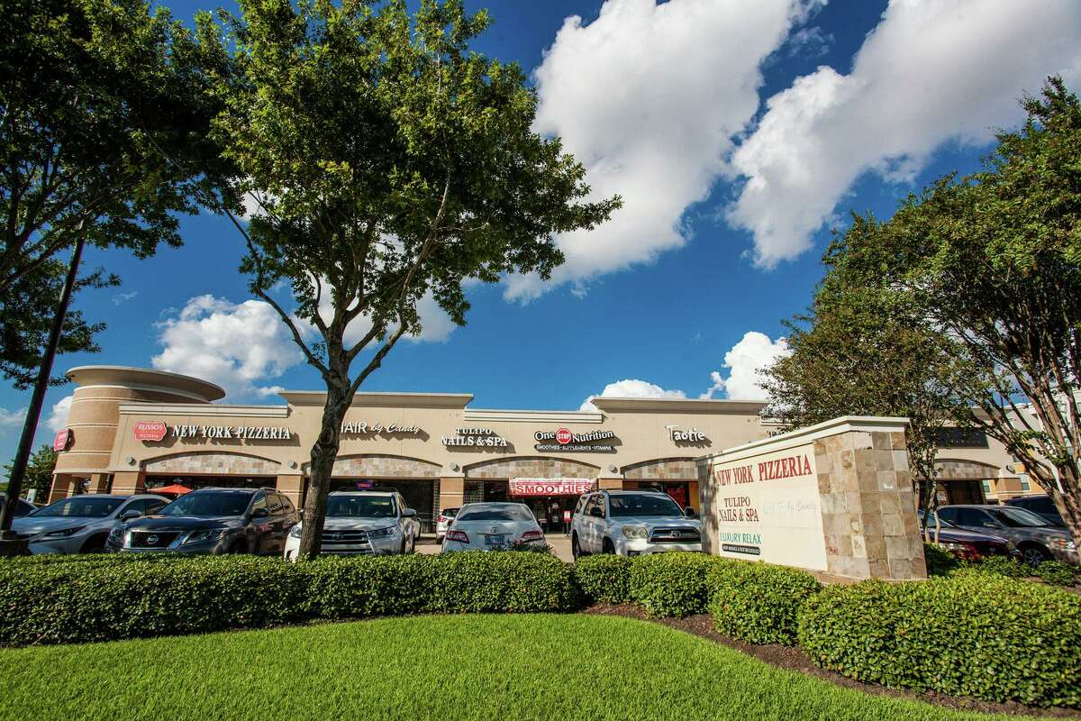 Beyond Investments purchased the Briar Forest Plaza retail center at 13346 Briar Forest Drive in the Energy Corridor.