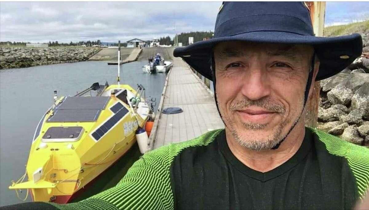 Erden Eruç takes a pre-launch selfie in Crescent City in June.