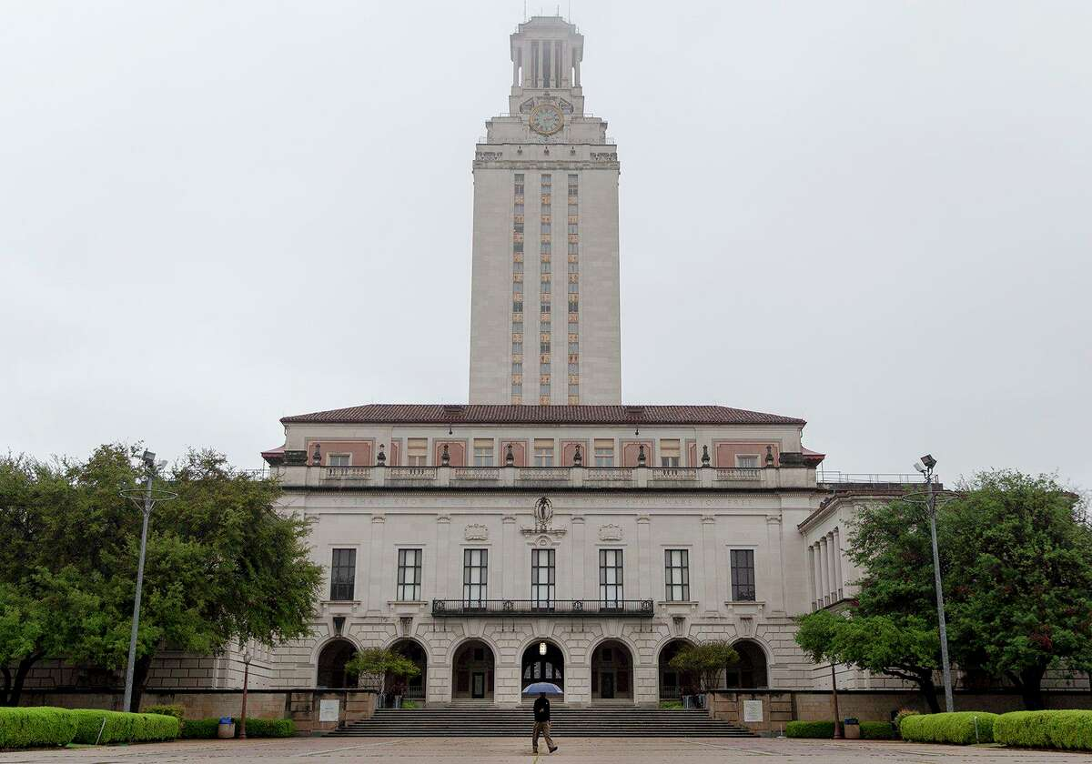 Provost Sharon Wood sought to reassure faculty that a planned institute is an investment in politics, philosophy and economics to attract new faculty. But some professors said they're concerned UT-Austin is allowing the Legislature to politicize the university with the new center.