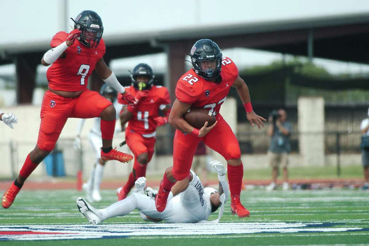Dawson plays at Alief Hastings tonight in a District 23-6A football opener.