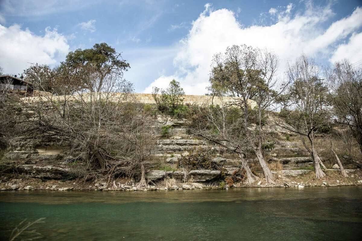 A New Braunfels developer wants to turn 155 acres along the Guadalupe River into high-end homes and recreational amenities.