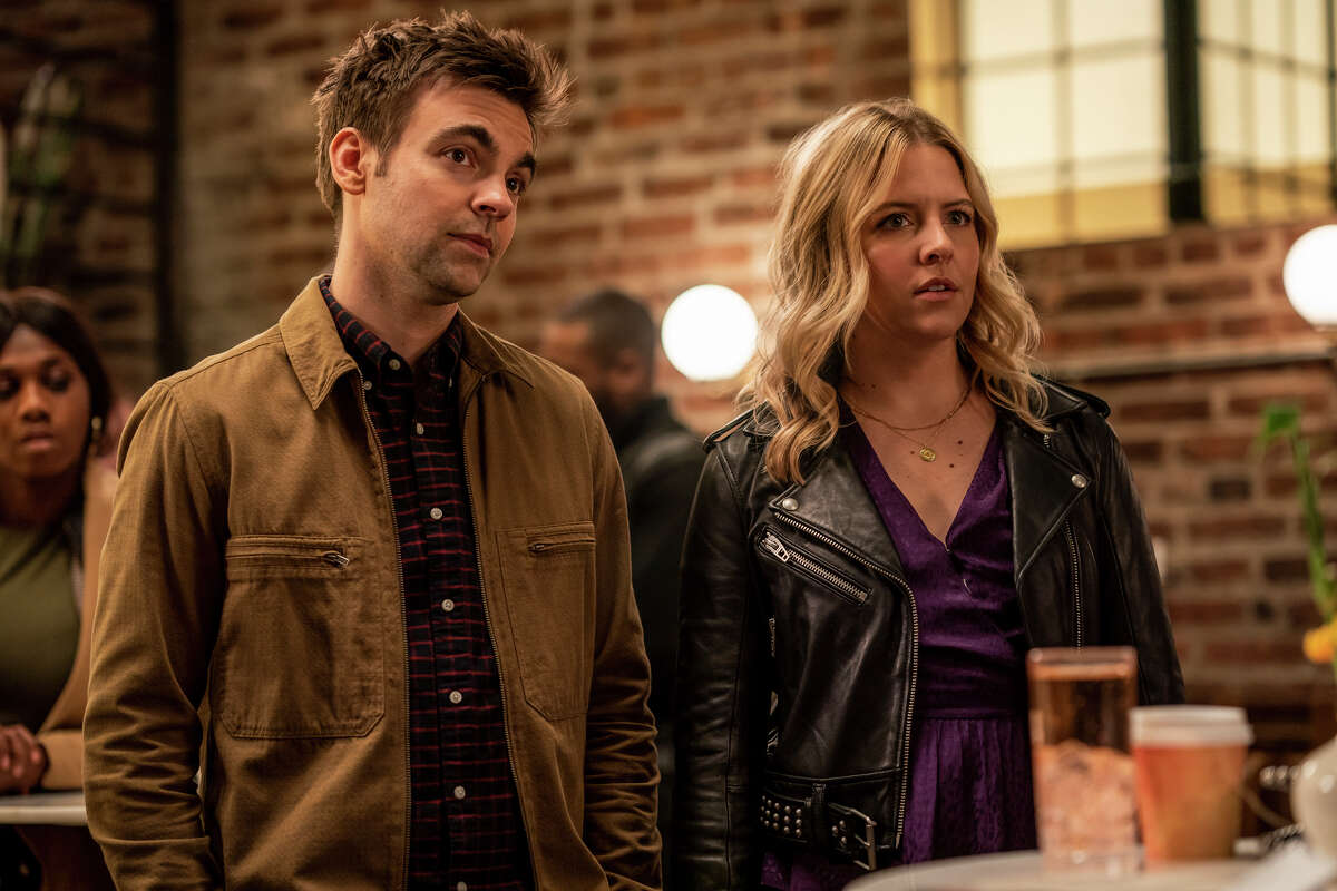 """Heléne Yorke and Drew Tarver play siblings Brooke and Cary in """"The Other Two."""""""