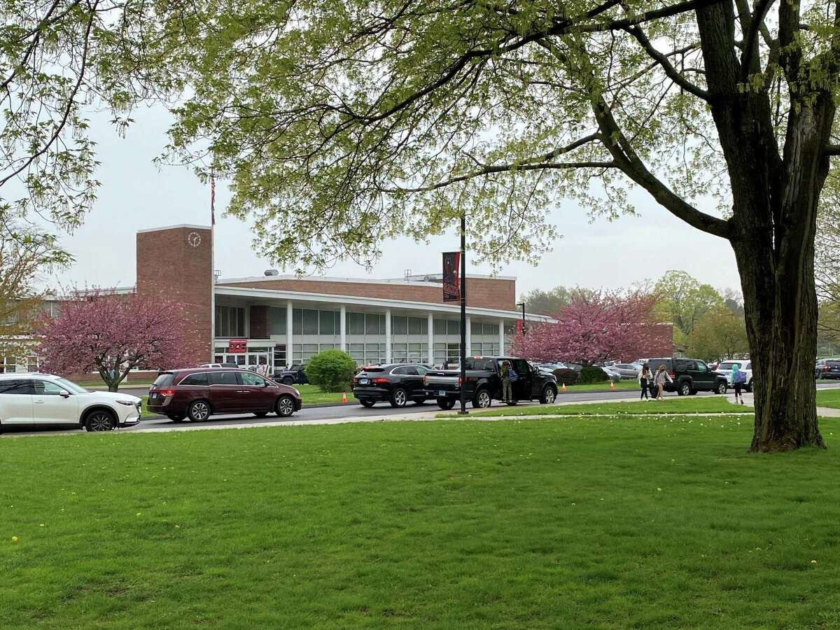 New Canaan Saxe Middle School