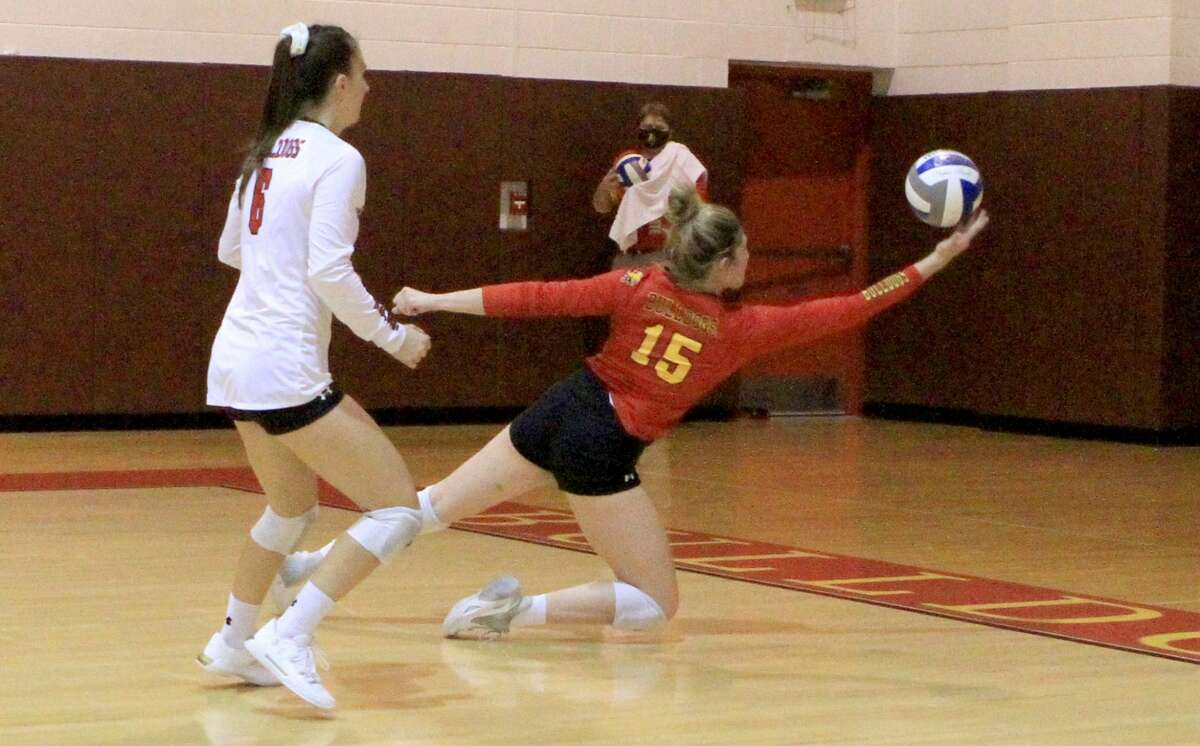 The Ferris State volleyball team defeated Grand Valley State in five sets on Thuresday evening.