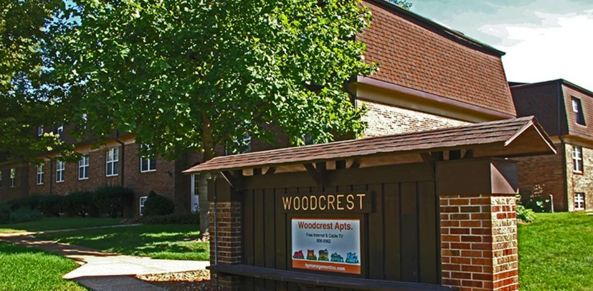A shot of Woodcrest Apartments' sign in Edwardsville.