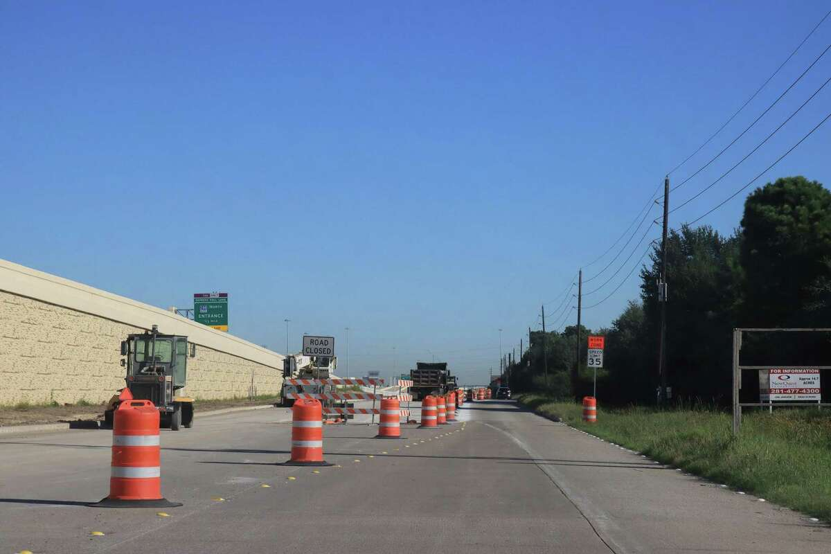 Work to build northbound frontage lanes along Texas 288 from County Road 59 to FM 518 in Pearland is three to four months ahead of schedule, according to the Texas Department of Transportation.