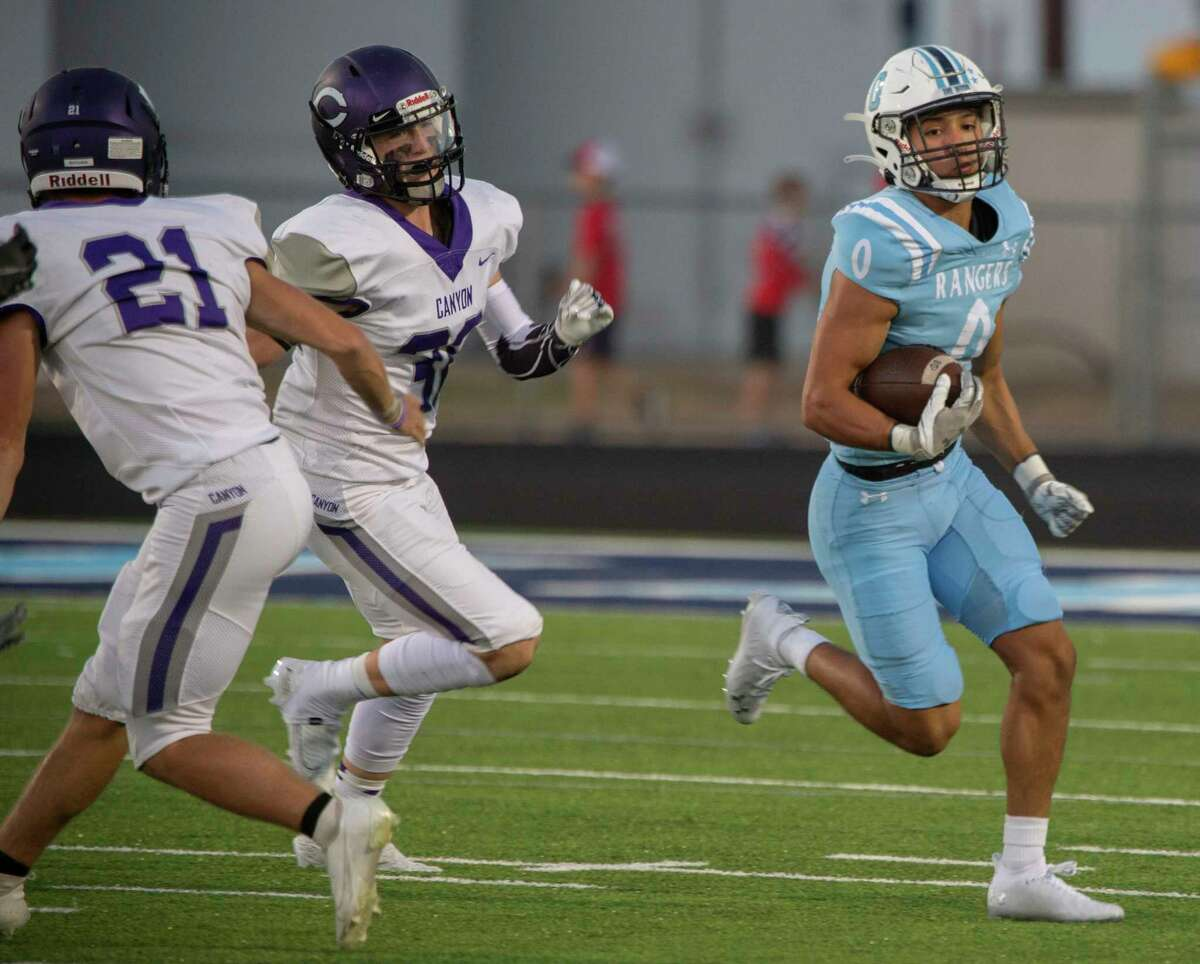 Greenwood's Aaron Fikes tries to turn the corner looking for yardage against Canyon 09/24/2021 at J.M. King Memorial Stadium. Tim Fischer/Reporter-Telegram
