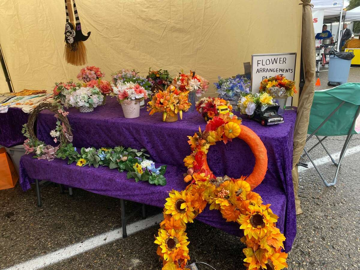Despite the overcast sky, the Elkton street fair enjoys music and a pleasant autumn breeze on Sept. 25.