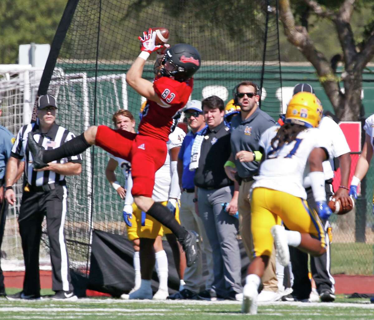 UIW wide receiver Trevor Begue makes a reception in first quarter on Saturday, Sept. 25, 2021. Halftime score UIW 21 McNeese 0.