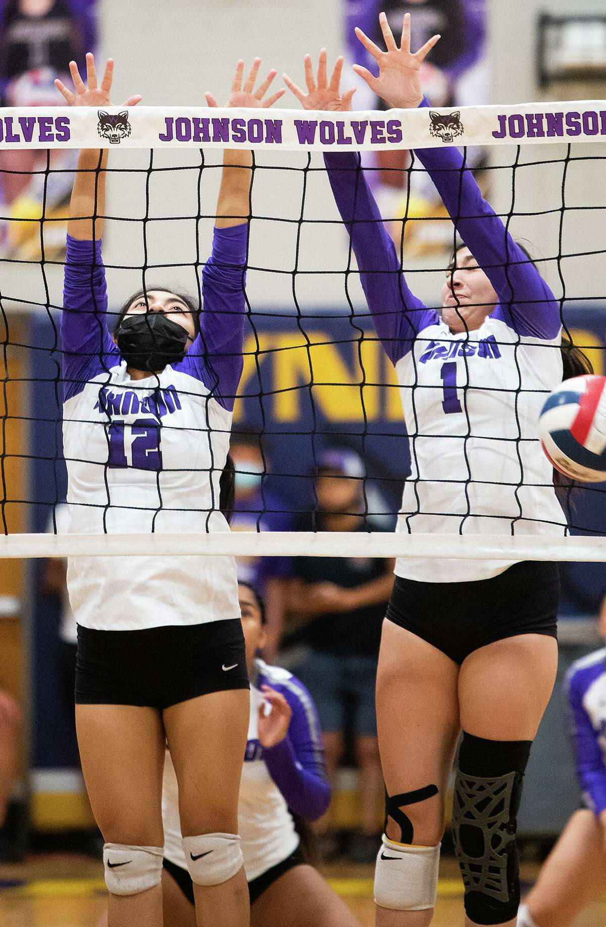 The LBJ Lady Wolves claimed three-straight sets to beat the Nixon Lady Mustangs on Saturday.