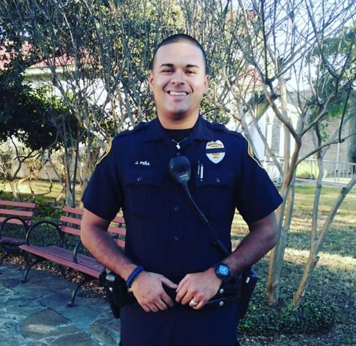 San Antonio Park Police officer Jay Peña died from COVID-19 complications Sunday morning, the department confirmed.