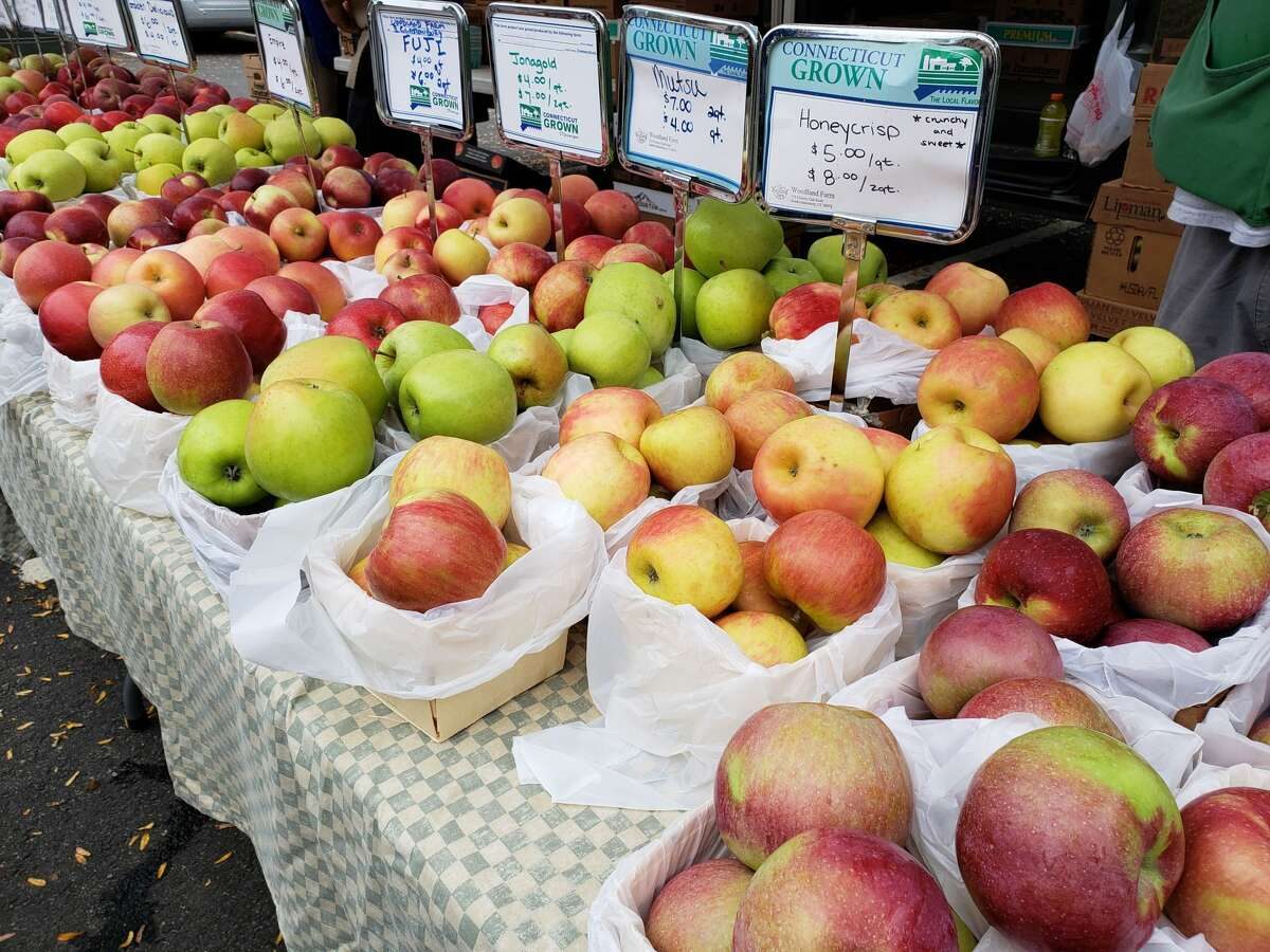 With evocative names like Honeycrisp or Jonagold, exotic names like Mutsu or Fuji, or old friends like McIntosh, Delicious, and Macoun, the colorful fruits are stacked up at farmers markets.