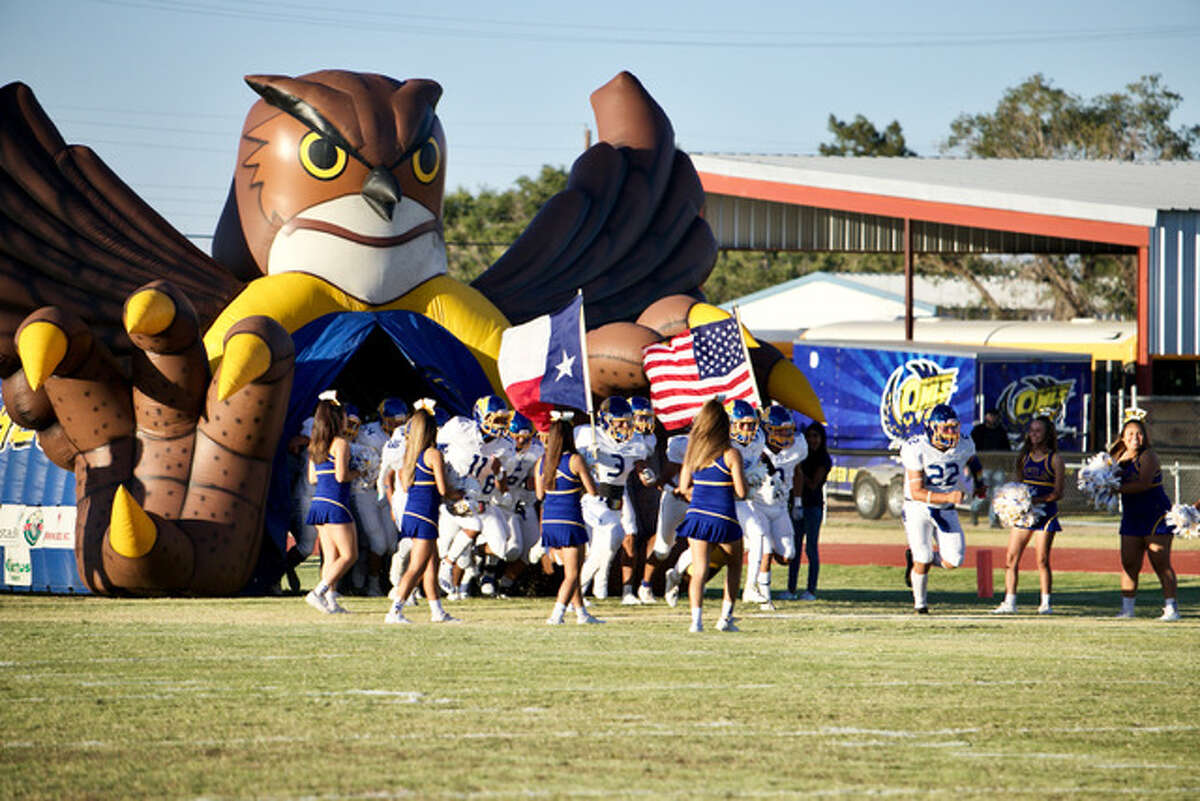 Olton defeated Hale Center 33-12 in a non-district football game on Friday at Olton.