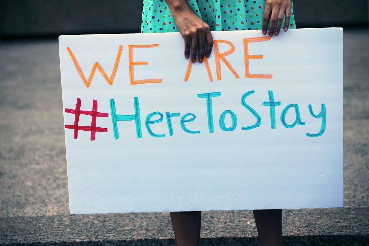 Manifestación frente edificio federal JJ Pickle contra la decisión del presidente Donald Trump de rescindir el programa DACA para jóvenes migrantes, el 5 de septiembre de 2017.