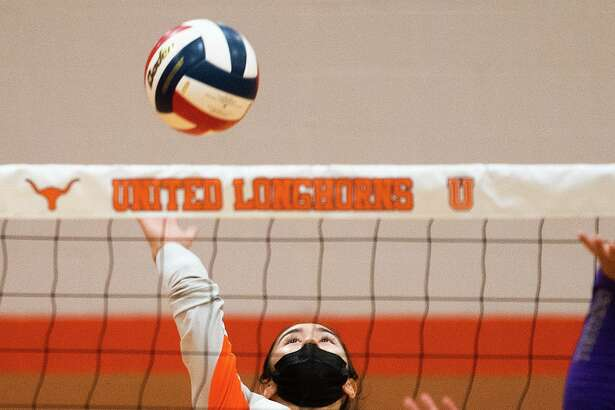 Victoria Michaelangeli and the United Lady Longhorns aim to remain perfect in district play as they visit Nixon on Tuesday.