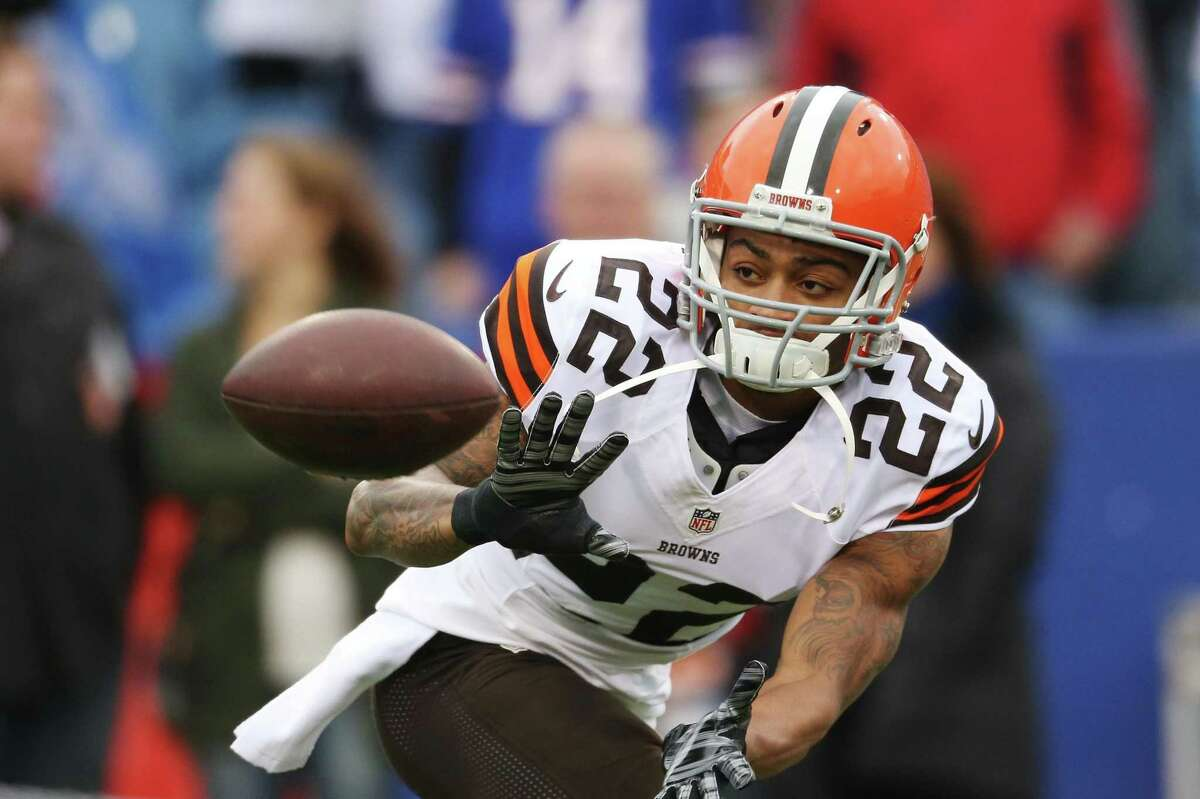 The 49ers are expected to sign cornerback Buster Skrine, who has missed just nine games in a career that's included 92 starts, nine interceptions and stints with the Browns, Jets and Bears.