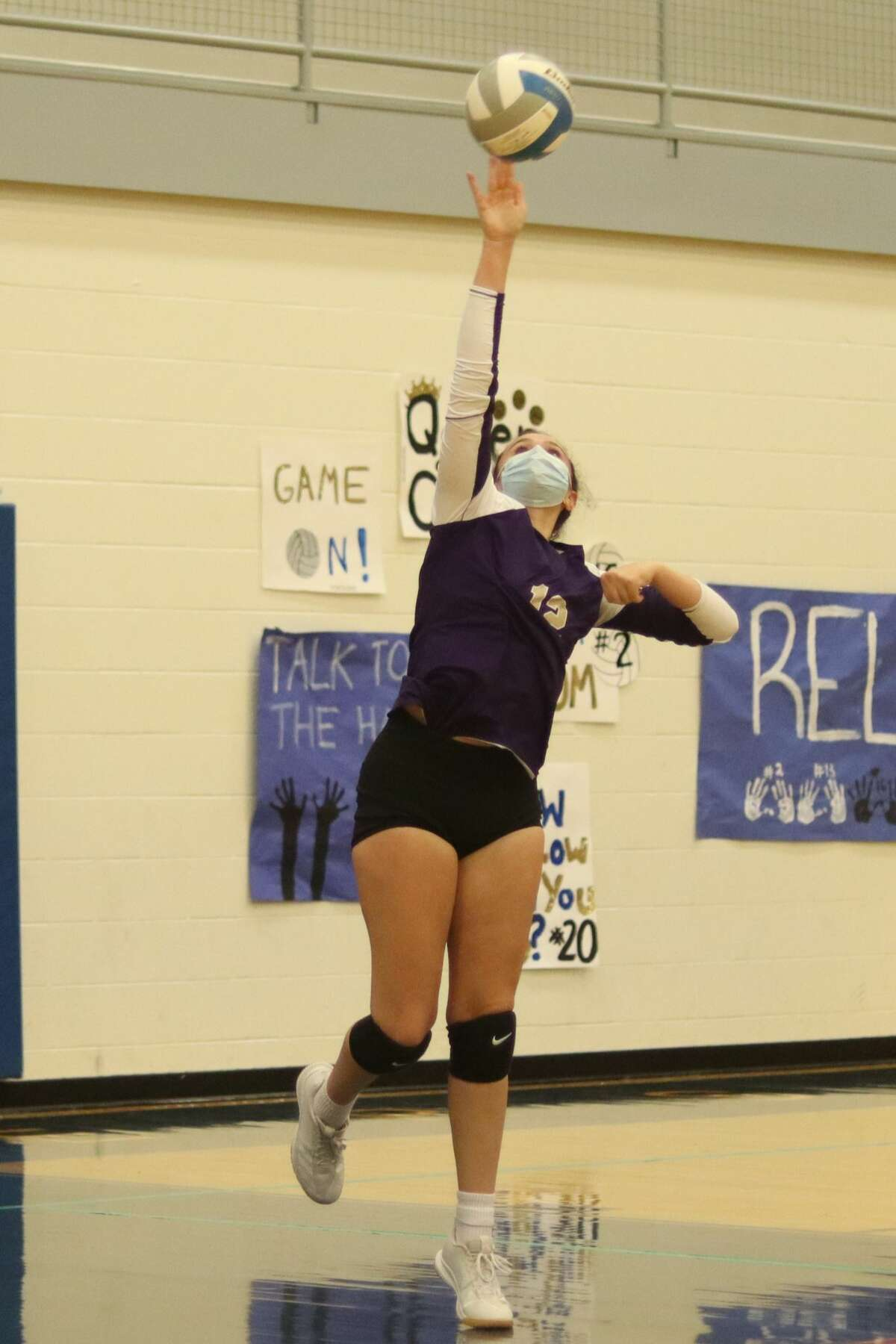Mariah Manning serves the ball during Frankfort's loss to Onekama on Sept. 28.