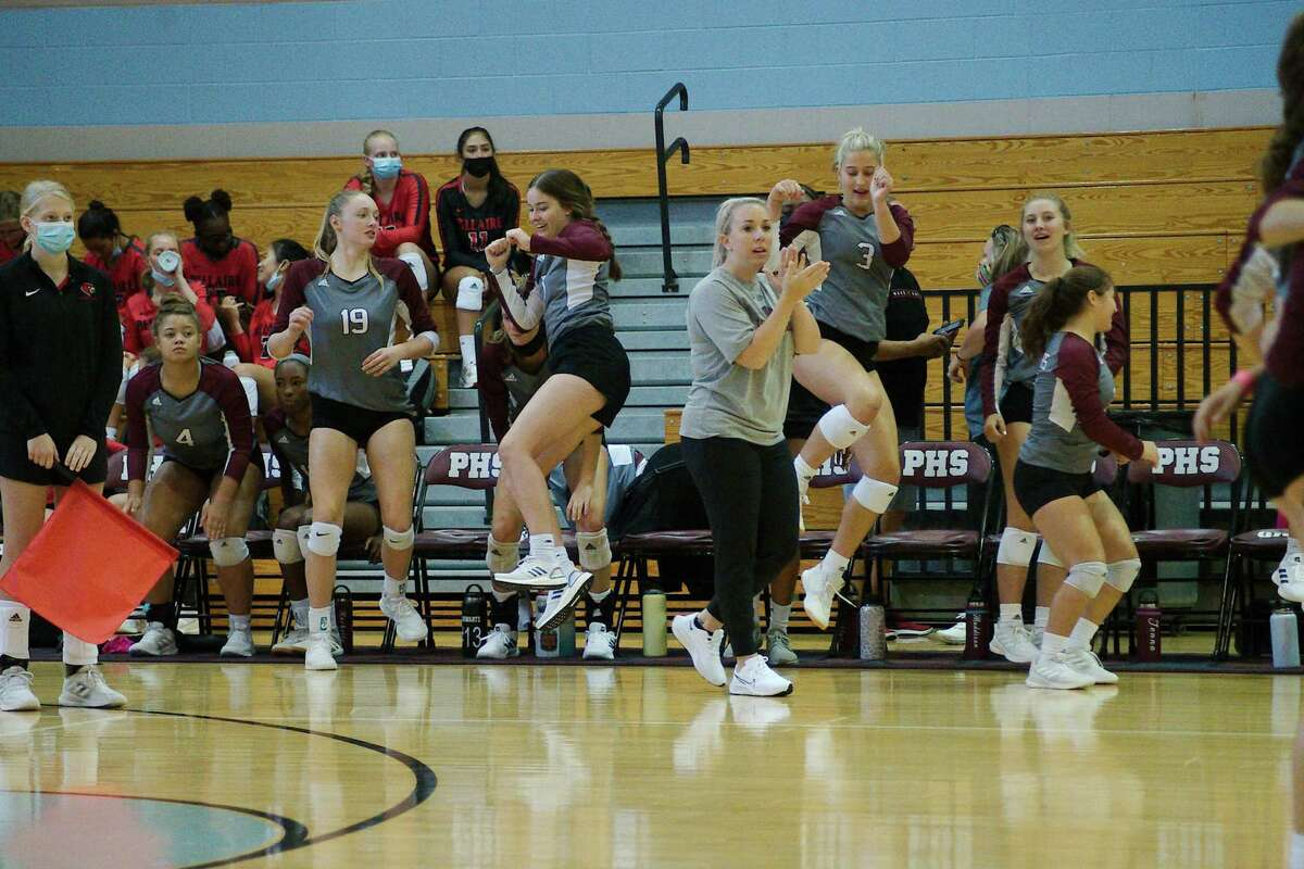Pearland defeated Shadow Creek in straight sets Tuesday night and will play at Dawson Friday to determine the District 23-6A lead.
