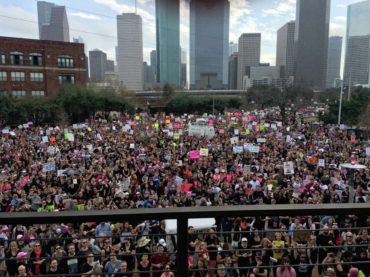 """The Houston Women's March in January 2017. """"Top Chef"""" hosts Padma Lakshmi and Gail Simmons will lead a similar protest Oct. 2, 2021, against Texas' new abortion law."""