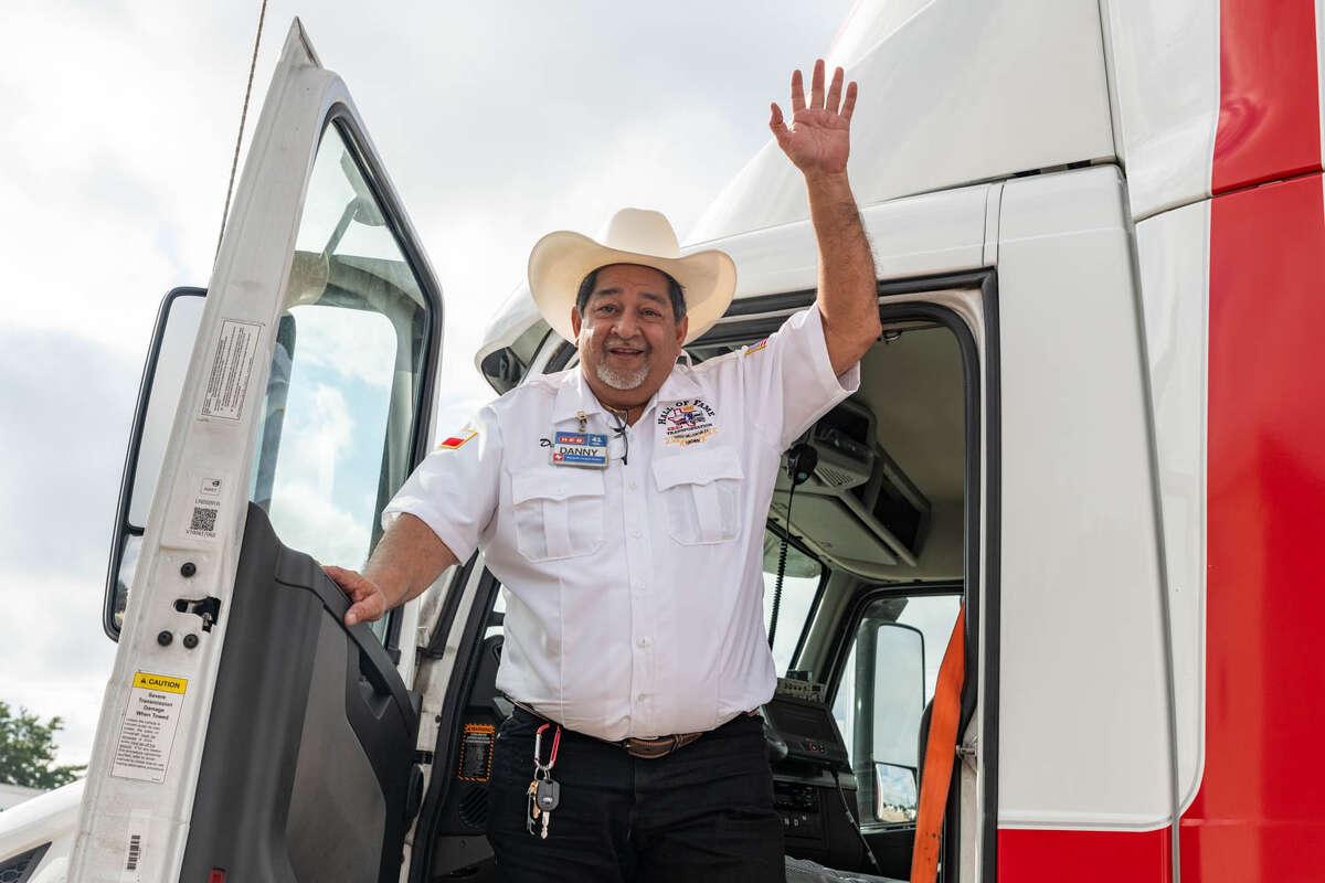 Danny Guerrero celebrated a major safety milestone as an H-E-B partner.