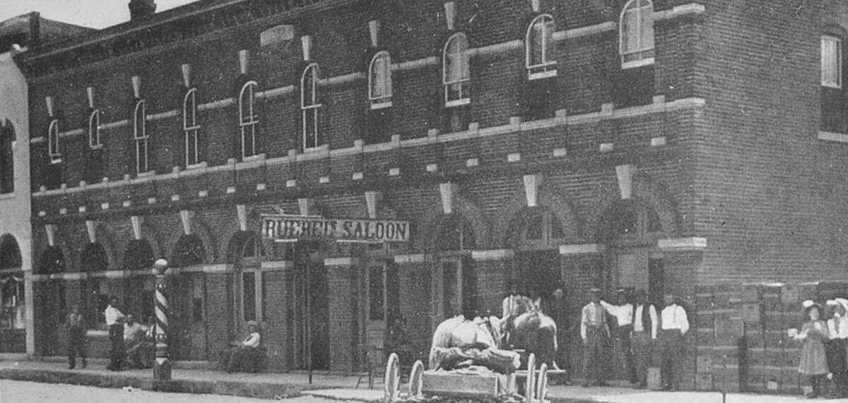 A photo of the Ruebel Hotel as seen in the 1800s.
