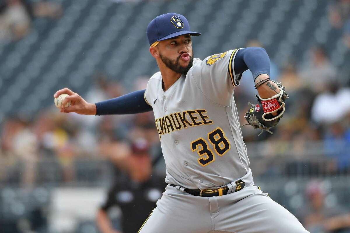 Devin Williams (38) of the Milwaukee Brewers delivers a pitch in the eighth inning against the Pittsburgh Pirates at PNC Park on Aug. 15, 2021 in Pittsburgh, Pennsylvania. (Justin Berl/Getty Images/TNS)