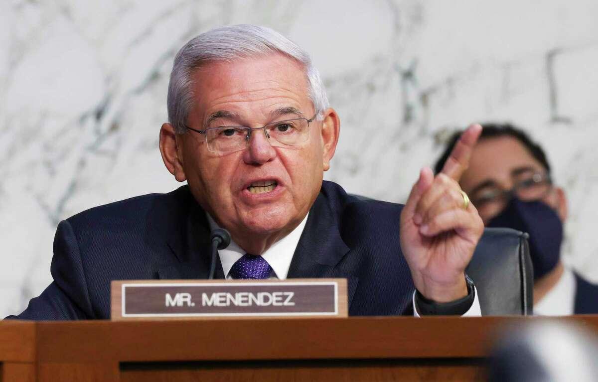 El senador Robert Menendez, demócrata por Nueva Jersey, durante una audiencia de la Comisión de Asuntos de Vivienda, Bancarios y Urbanos del Senado, el martes 28 de septiembre de 2021, en Washington.