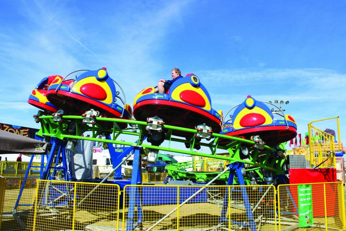Rolling Thunder is a spinning rollercoaster.