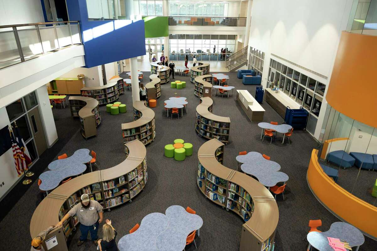 Lagway Elementary School, which is the only two-floor elementary school in Willis ISD, can hold up to 950 students, and this year's enrollment totals to 684 students. The new building features an open-design concept with learning spaces for students to participate in small group instruction outside of the traditional classroom.