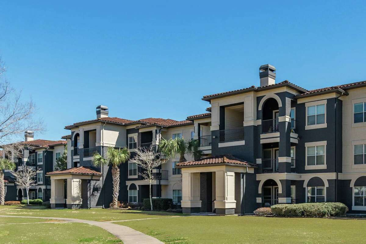 Knightvest Capital purchased the Vineyards, a 369-unit, garden-style apartment complex at 21550 Provincial Blvd. in Katy. Walker & Dunlop represented the seller, Preferred Apartment Communities.