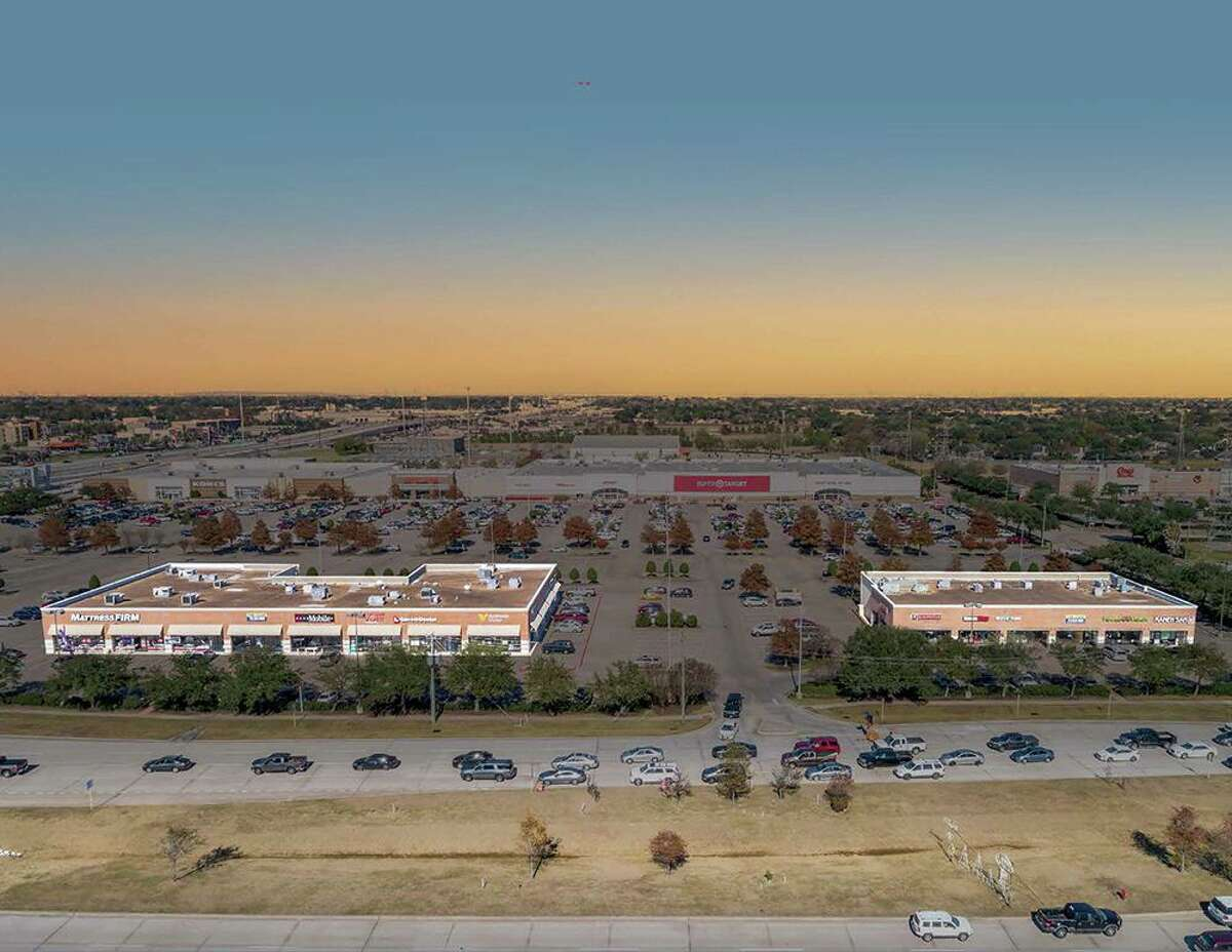 A private investor group managed by Concierge Management and led by Akbarali Momin purchased the Fairway Retail Center, a 49,600-square-foot center at 5575-5769 Fairmont Parkway in Pasadena.