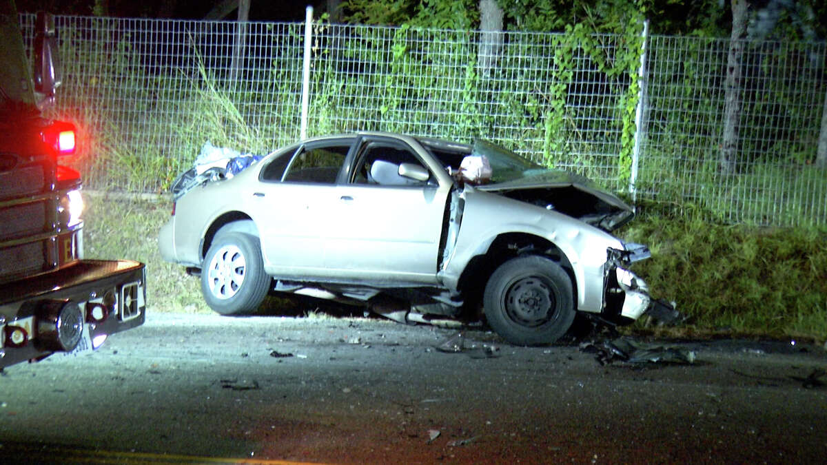 A drunken driver racing on the Northwest Side early Thursday morningswerved into the opposite lane and hit a vehicle head-on, killing the driver, according to San Antonio police.