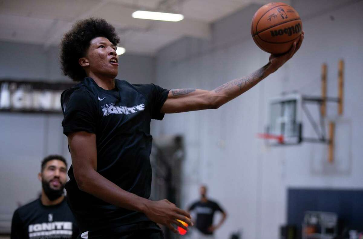 G League Ignite's MarJon Beauchamp considered quitting basketball, but is now turning heads on the court.