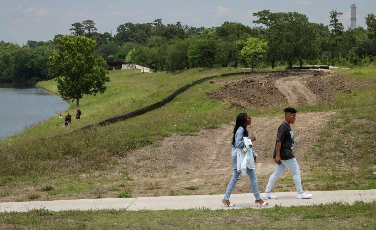 The author says a U.S. House proposal tucked into the reconciliation package takes a fundamentally new approach to transportation and infrastructure that would help make Houston greener and more equitable.