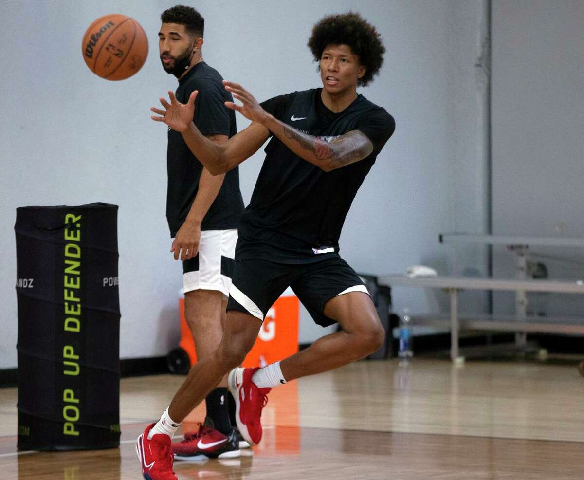 G League Ignite's MarJon Beauchamp catches a pass during a practice with the team on Tuesday, Sept. 28, 2021 in Walnut Creek, Calif.