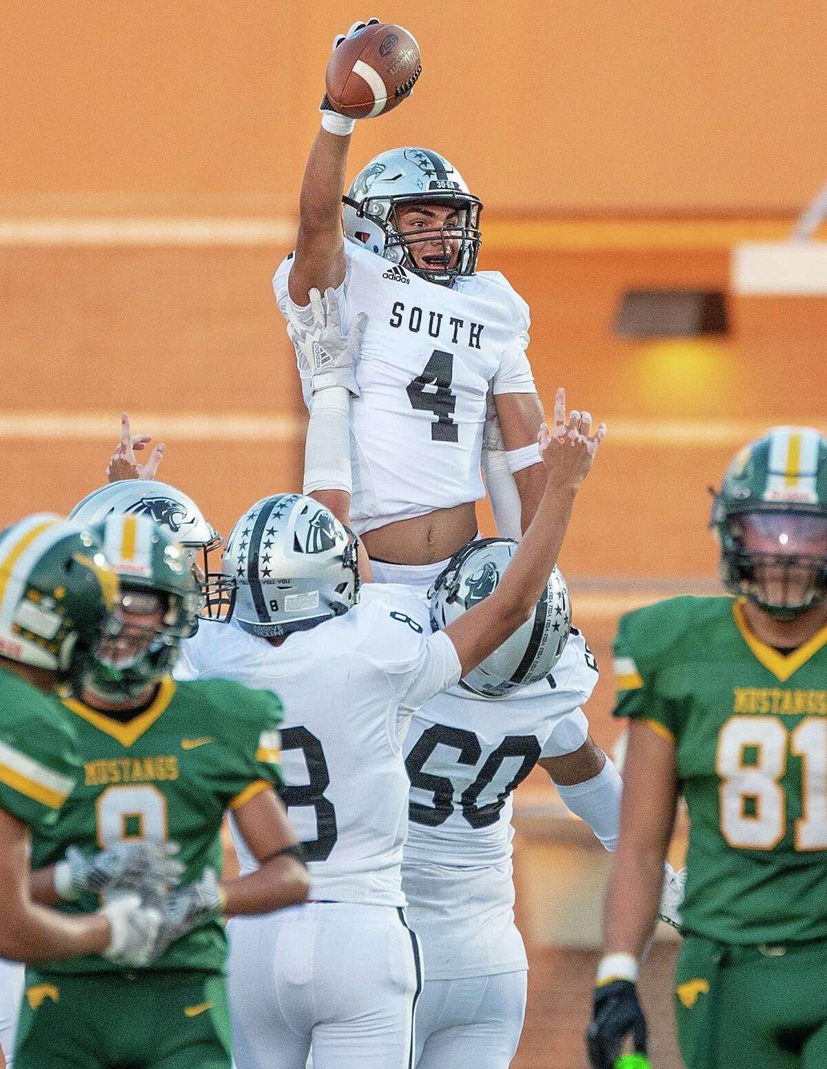 Running back Brandon Benavides scored two touchdowns as United South defeated Nixon on Thursday.