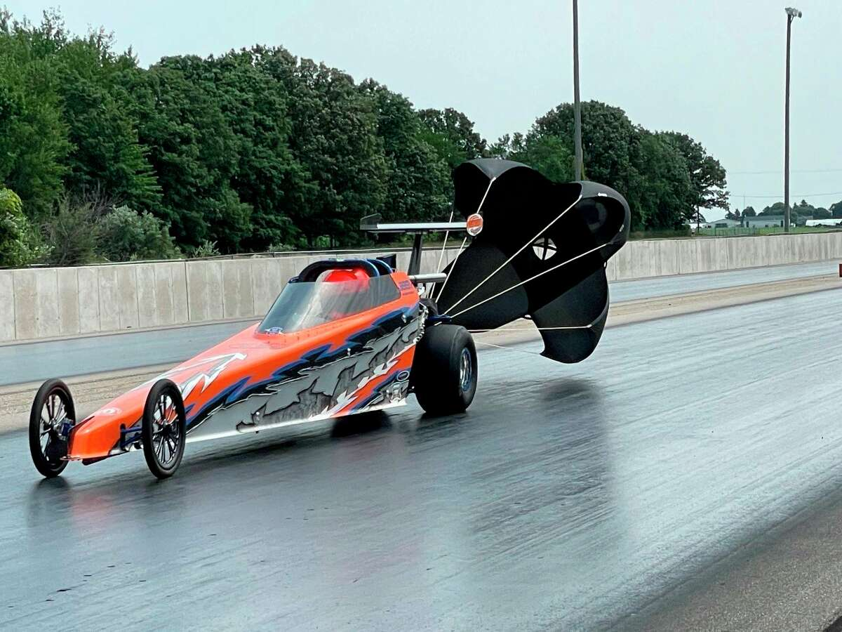 Ean Guenthardt races in Hot Rod during the IHRA Divison Summit Team Finals at the Mid-Michigan Motorplex in Stanton, MI. The competition was held from Sept. 23-26. (Courtesy Photo)
